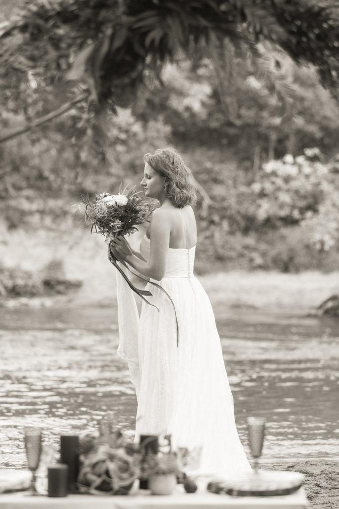 scenografia do sesji ślubnej nad rzeką
