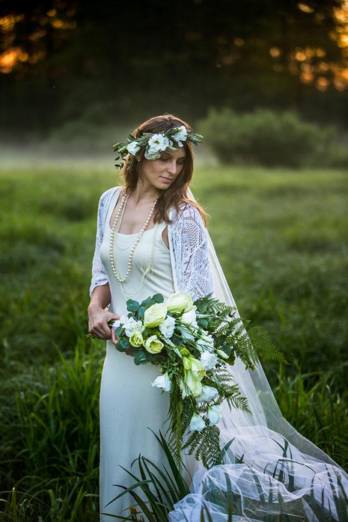 bukiet ślubny biały i wianek w stylu vintage