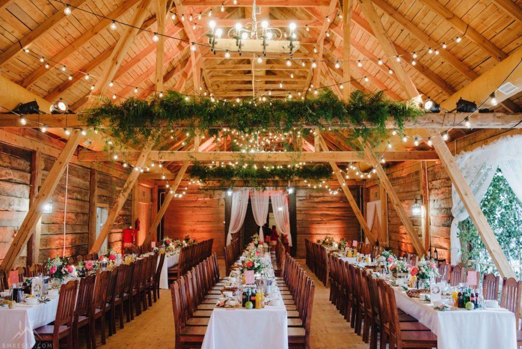 naturalna zielona dekoracja stodoły