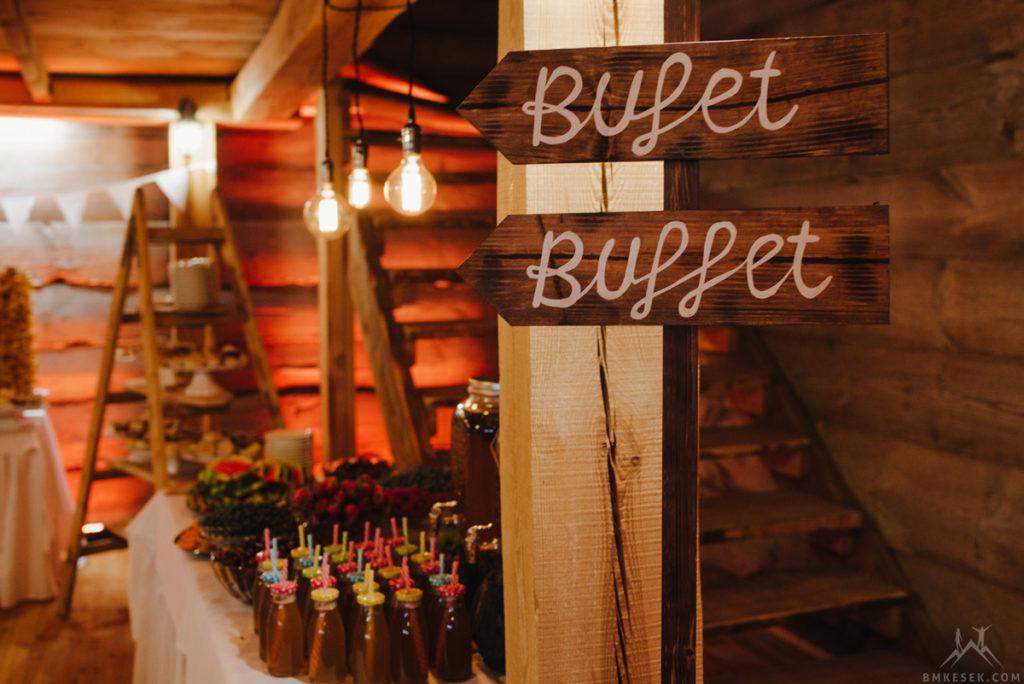 drewniany drogowskaz bufet