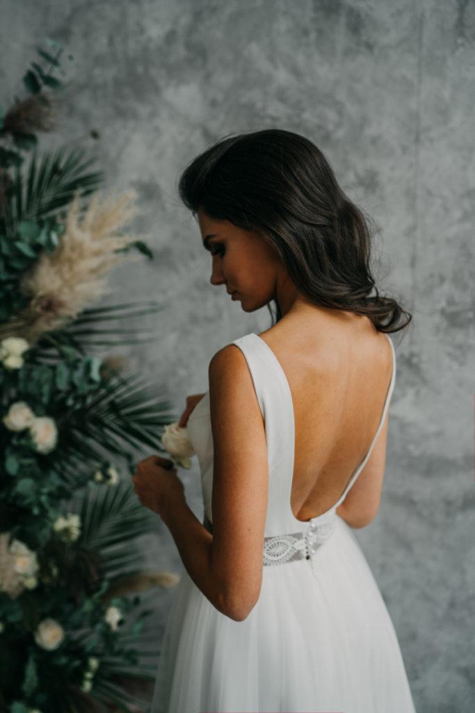 kwiaty do sesji sukien ślubnej