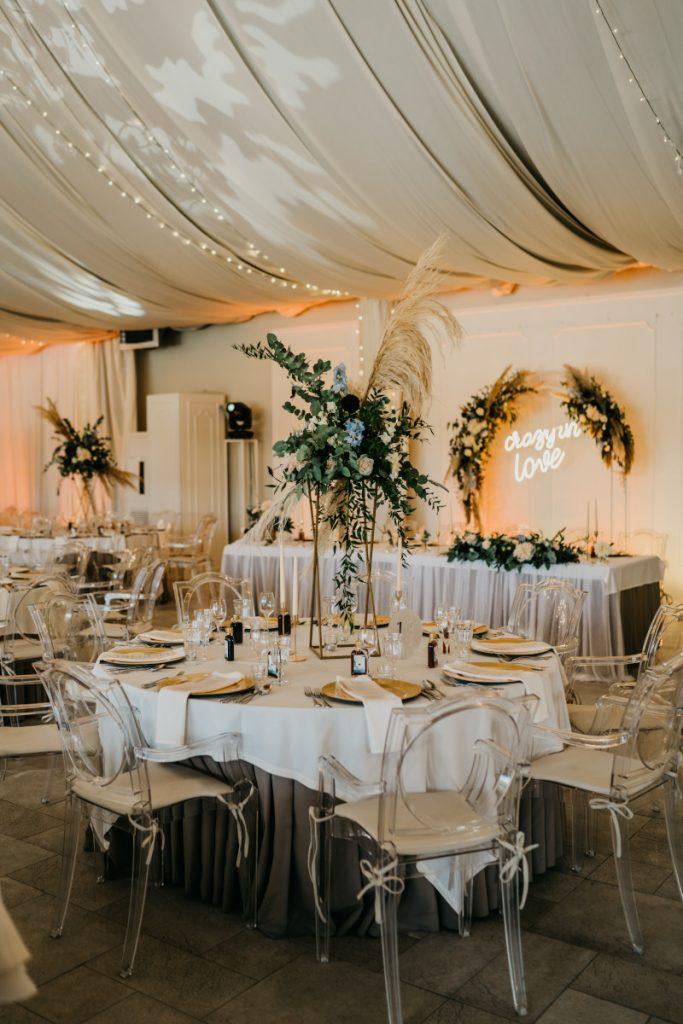dekoracja stołów weselnych w stylu boho glam